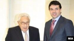 Министерот за надворешни работи Никола Попоски се сретна со поранешниот американски државен секретар Хенри Кисинџер. Њујорк, 24.02.2012