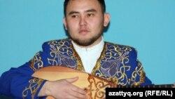 Айтыскер Мухтар Ниязов. Алматы, 11 февраля 2012 года.