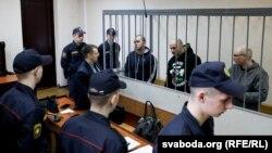 Міхаіл Мяцельскі, Уладзімер Лішык і Яўген Базылеў на лаве падсудных