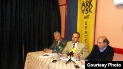 من اليمين يوسف الناصر ونوفل ابو رغيف ومنذر عبد الحر