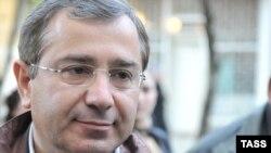 Беслан Бутба возглавлял кабинет министров Абхазии с 29 сентября 2014 года, а до этого момента был депутатом Народного собрания – парламента РА