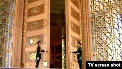 Türkmenistanyň prezidentiniň köşgi. Aşgabat