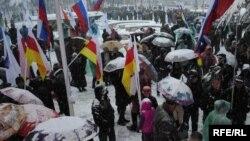 Содержанием нового договора интересуются не только югоосетинские эксперты и политики, но и обычные жители республики. Люди спрашивают, что изменится в их жизни после подписания нового договора о союзничестве с Россией