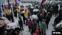 Похоже, Южная Осетия подключилась к российской практике давления на неправительственный сектор. Приняла аналогичный российскому закон о специальной регистрации и отчетности для общественных организаций, получающих гранты из-за рубежа, – т.н. иностранных агентов