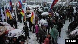 Предизборен митинг на Анатоли Бибилов во главниот град на Јужна Осетија Цхинвали на 7 ноември 2011 година.