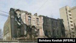 Занедбаний старий будинок на Подолі. Київ. 24 березня 2019 р.