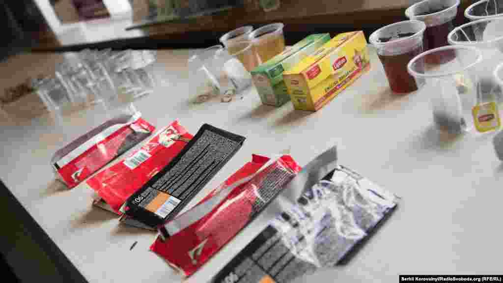 Після здавання крові донорам пропонували солодощі та чай