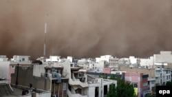 توفان شديد در شهر تهران در خرداد ماه ۱۳۹۳