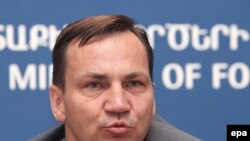 Министр иностранных дел Польши Радослав Сикорский.