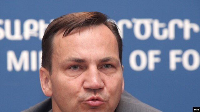 """Polish Foreign Minister Radoslaw Sikorski: """"We don't see any progress in the behavior of the Belarusian authorities. Quite the contrary."""""""
