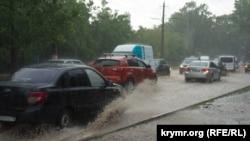 Ливень в Крыму, иллюстрационное фото