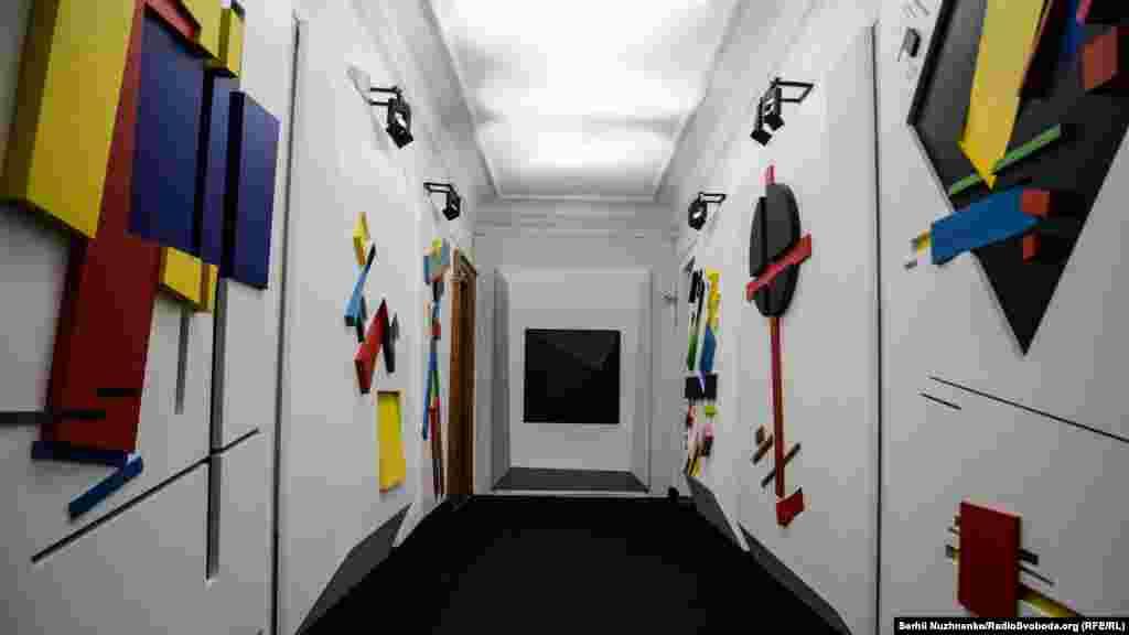 «Чорний квадрат» – одна з найвідоміших картин Малевича, якою він започаткував супрематичний напрям у мистецтві