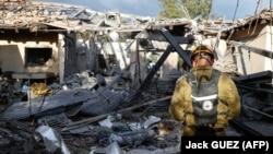 بنا بر گزارشها بامداد دوشنبه پنجم فروردین ماه در منطقه مسکونی «شارون» صدای آژیر و سپس صدای مهیب انفجار شنیده شدهاست