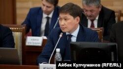 Премьер-министр КР Сапар Исаков.