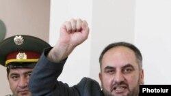 Մյասնիկ Մալխասյանը դատարանում, արխիվային լուսանկար