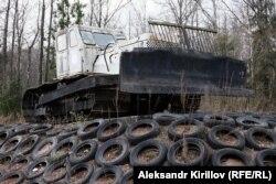 Памятник мусорному бульдозеру, Великий Новгород