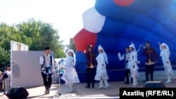 Омски шәһәр бәйрәмендә татарлар да катнашты