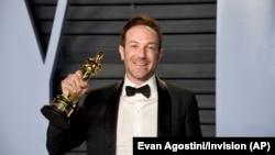 Американський режисер Браян Фоґель отримав «Оскара» за документальний фільм «Ікар», 4 березня 2018 року