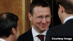 Год назад Олег Говорун, что называется, хлопнул дверью: после выволочки, которую получил от президента, он подал в отставку с поста министра регионального развития без каких-либо политесов – просто не вышел на работу