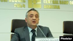 Armenia -- Central Bank Chairman Artur Javadian gives a press conference, Yerevan, 14Jun2011