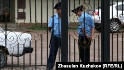 Сотрудники полиции в Астане. Иллюстративное фото.