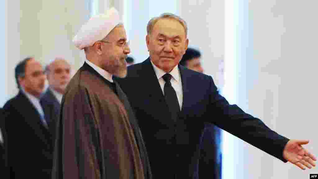 9 сентября президент Казахстана Нурсултан Назарбаев встретился в Астане с президентом Ирана Хасаном Роухани. Это первый визит Роухани, избранного президентом Ирана в прошлом году, в Казахстан.