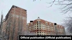УКМК тараткан сүрөттө «Элит Хаус» компаниясынын курулуп жаткан турак үйлөрү.