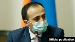Armenia -- Arsen Torosian, the newly appointed chief of Prime Minister Nikol Pashinian's staff, attends a meeting in Yerevan chaired by Pashinian, January 19, 2021.