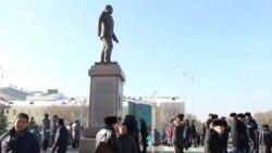 Назарбаевқа ескерткіш қойды
