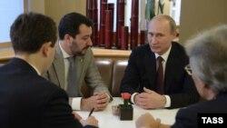 Маттео Сальвини и Владимир Путин, архивное фото