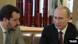Vladimir Putin (sağda) və Matteo Salvini