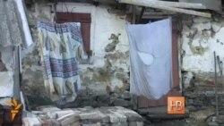 Oamenii din Donbas își reconstruiesc casele singuri