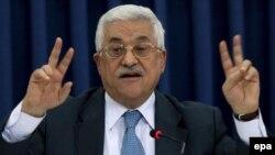 محمود عباس پنجشنبه شب اعلام کرد که با برقراری قوانين و محدوديتهايی، نخواهد گذاشت که حماس بار ديگر اکثريت کرسی های پارلمان را دراختيار بگيرد.
