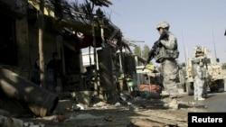 Американські солдати на місці вибуху у провінції Лагман, Афганістан, 20 листопада 2010 року