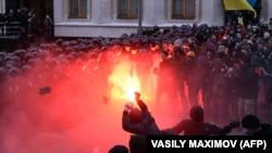 Під адміністрацією президента, початок спроби штурму, 1 грудня 2013