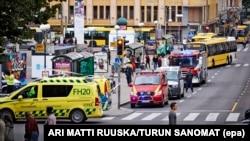 Автомобілі надзвичайних служб Фінляндії на місці нападу в Турку, 18 серпня 2017 року