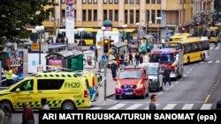 Поліція і лікарі на місці нападу в Турку, Фінляндія, 18 серпня 2017 року