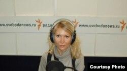 Алена Попова в студии РС