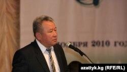 Билим берүү министри Канат Садыков.