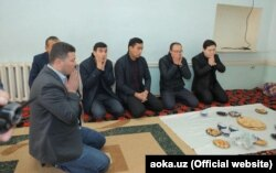 Сотрудники АИМК прочитали Коран в доме покойного журналиста Давлата Назара.