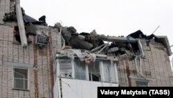 Шахты қаласында жарылыстан қираған көпқабатты үйдегі пәтерлер. Ресей, 14 қаңтар 2019 жыл.