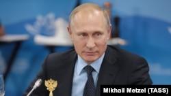 Президент Росії Володимир Путін запропонував розмістити миротворчі сили ООН у зоні конфлікту на Донбасі, але чи життєздатна ця ідея і чи може вона допомогти подолати конфлікт?