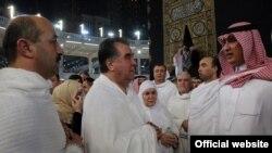 Emomali Raxmon Mərkəzi Asiyada yeganə İslam partiyasını qadağan edib.