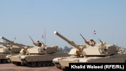 استعراض عسكري في بغداد في 6/1/2011