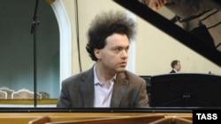 Пианист Евгений Кисин