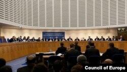 Judecătorii CEDO în şedinţă, Strasbourg