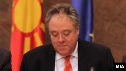 Известувачот за Македонија на Европскиот парламент Ричард Ховит.