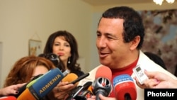 "Armenia -- Leader of ""Bargavach Hayastan"" (Prosperous Armenia) party Gagik Tsarukian talks to the journalists minutes after voting, Arinj, 06May2012"