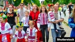 Під час Мегамаршу вишиванок в Одесі, 19 травня 2018 року