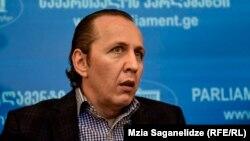 В «Европейской Грузии» отметили, что при наличии политической воли прокуратура вполне сможет «установить сомнительные связи парламентского секретаря президента»